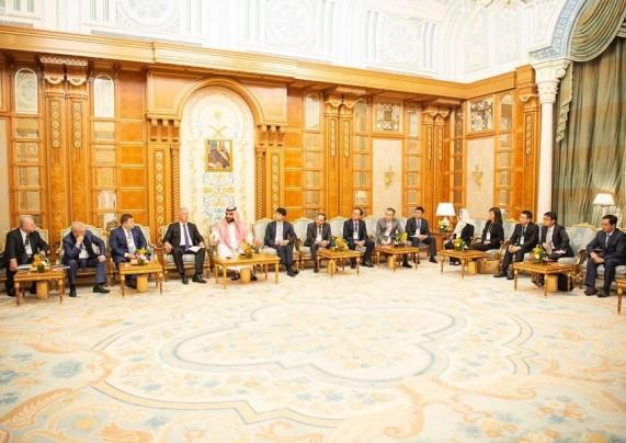 ولي العهد يلتقي رؤساء الصناديق السيادية والشركات