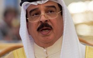 ملك البحرين لمسؤولين أمريكيين: حل الأزمة مع قطر في الرياض
