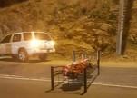 شرطة عسير تكشف ملابسات إلقاء جثة ملفوفة بغطاء نوم في طريق أبها