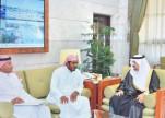 """بالصور.. أمير الرياض ينقذ رقبة """"يمني"""""""