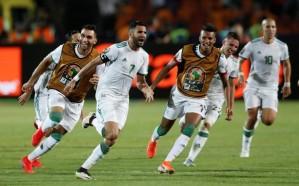 رياض محرز يقود الجزائر إلى نهائي أمم إفريقيا