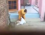 شاهد.. خادمة تعنف طفلة وتكتم أنفاسها بطريقة وحشية