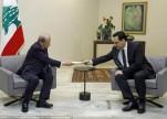 """""""عون"""" يطالب """"دياب"""" بتصريف الأعمال لحين تشكيل حكومة لبنانية جديدة"""