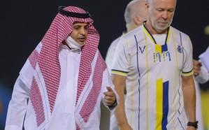 النصر يُعلن إنهاء التعاقد مع المدرب البرازيلي مانو مينيز