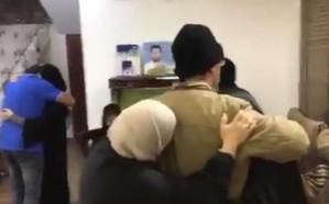 فيديو.. إسقاط جنسيات إرهابيين بالبحرين وبهذه اللغة ودعوا أهاليهم!
