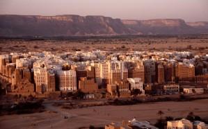 الحوثي ينشيء عددًا من المعاهد الثانوية لطلابه زرعًا للفتنة الطائفية