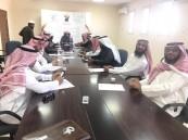 مدير مكتب تعليم الحناكية يعقد اجتماعًا لاستكمال مهام الاختبارات