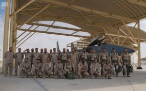 """القوات الجوية تصل قاعدة """"الظفرة"""""""