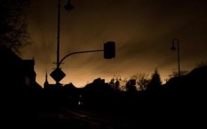انقطاع التيار الكهربائي عن محافظة ميسان.. والأهالي يتذمرون