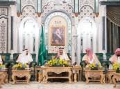 خادم الحرمين يصل مكة