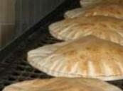 الرياض .. دوريات الأمن تقبض على عاملين آسيويَين يتبولان في العجين بمخبز