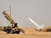 """""""الدفاع الجوي"""" يعترض صاروخاً باليستياً في سماء جازان"""