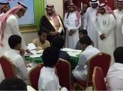 """محافظ """"غامد الزناد"""" يتفقد مدرسة الإمام الشافعي"""