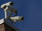 """""""لص غبي"""" يسرق مبنى فيه العديد من كاميرات المراقبة بالطائف"""