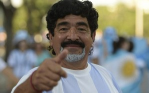 مارادونا يتهم الفيفا بمجاملة المنتخبات الكبيرة
