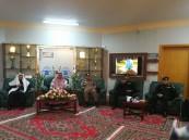 بالصور.. محافظ خميس مشيط يتفقد مركز عمليات دوريات الأمن