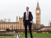 أطول وأقصر رجل في العالم يلتقيان للمرة الأولى