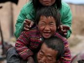 بالصور.. عائلة صينية تعيش على بقايا القمامة منذ 20 عامًا