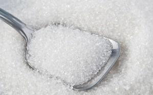 """""""الغذاء والدواء"""" توضح نسبة السكر اللازمة للإنسان من الطاقة يوميًا"""