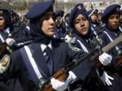 """الكويت: تجنيد النساء يشغل """"تويتر"""""""