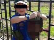 استرالي «داعشي» يبث صورة لابنه الصغير ممسكا برأس مقطوع