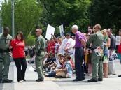 اعتقال 112 ناشطاً خارج البيت الأبيض احتجاجاً على ترحيل الأطفال