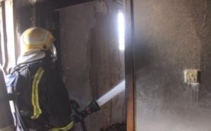 """""""مدني القصيم"""" ينقذ 8 أفراد من حريق في منزل ببريدة"""