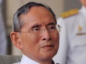تايلاند تحذر التجار من رفع أسعار الملابس السوداء بعد وفاة الملك