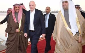 رئيس الفيفا يصل الكويت لتسليم خطاب رفع الإيقاف عن الكرة الكويتية