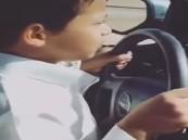بالفيديو :طفل سعودي يقود سيارة GMC بسرعة ٢٠٠ كيلو