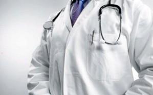 طبيب يتهم مستشفى النماص بمنعه من إجراء عملية لشاب تعرض لحادث  مروع