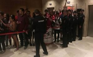 """منتخب مصر يرد على اتهامات  """"فوضى الفندق"""" واختلاط الفنانين باللاعبين"""