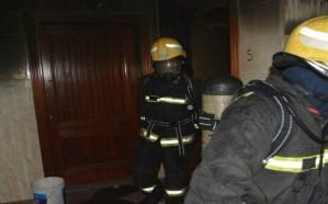 شاهد.. اندلاع حريق بشقة في جدة نتيجة تسرب الغاز