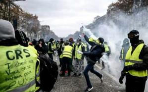 """فرنسا تستعد لتجدد احتجاجات """"السترات الصفراء"""" رغم تنازلات ماكرون"""