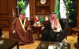 الجبير يعقد جلسة مباحثات ثنائية مع وزير الخارجية البحريني
