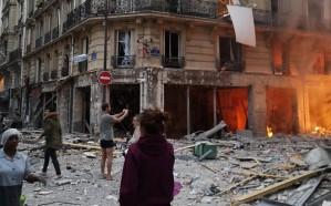 شاهد.. انفجار ضخم في العاصمة الفرنسية باريس