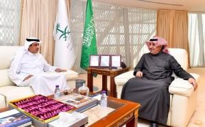 الشبانة يستقبل وزير شؤون الإعلام البحريني