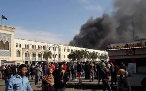 مصرع 24 شخصًا وإصابة 50 آخرين في حريق قطار بمحطة مصر