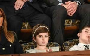 """قصة الطفل النائم بجوار """"ميلانيا"""" أثناء خطاب ترامب في الكونجرس"""