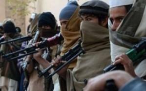مسلحون يفجّرون خط سكك حديدية في باكستان