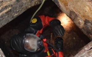 انتشال جثة عامل من داخل خزان صرف صحي  بجدة