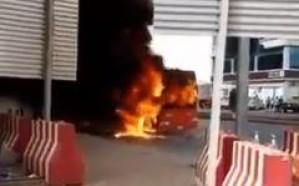 فيديو.. اندلاع حريق في حافلة نقل جماعي  بالرياض