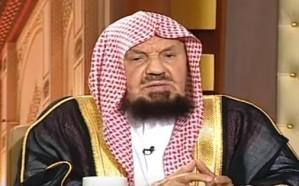 فيديو: ما هو حكم إخراج الأب الزكاة لابنه المتزوج إن كان محتاجاً؟.. المنيع يوضح