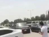 شاهد.. مقطع فيديو يوثق حادث دهس لشاب في الرياض
