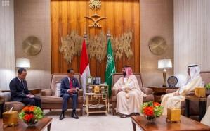 ولي العهد يبحث أوجه التعاون مع رئيس إندونيسيا