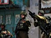 قوات الاحتلال تطلق قنابل غاز سام بالخليل.. اختناق عشرات الطلاب والمعلمين