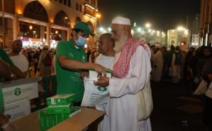 أمير مكة يوجه بتوزيع وجبات علي ضيوف الرحمن طيلة العشر الأواخر