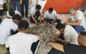 جمعت 19 ألف دولار من العملات المعدنية خلال 10 سنوات