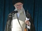 خامنئي يمسك ببندقية قنص.. على طريقة بن لادن والبغدادي