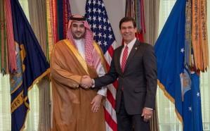خالد بن سلمان يستعرض العلاقات الثنائية مع وزير الدفاع الأمريكي